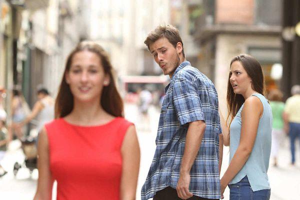 meme-gif-jealous-gf-small.jpg.94db5cdacf749fdcecd38de86874c201.jpg
