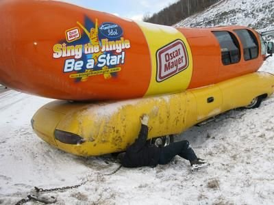 Wienermobile-crash-4.jpg